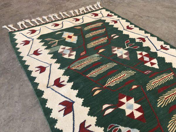 floral kilim rug