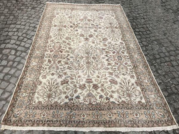 vintage floral rug